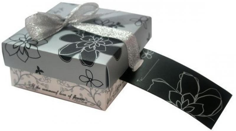Коробка подарочная Golden Gift BG1353 9х9х4 см коробка подарочная golden gift клетка 25x25x25 см pw1055 255