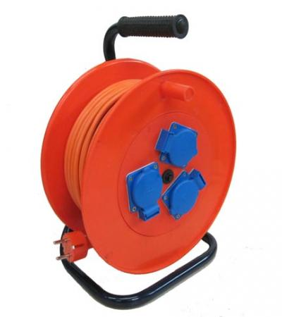 Удлинитель силовой на катушке LUX УХз16-003 50м 3х1мм, 16А, 3500Вт, 3 розетки, автомат защиты силовой удлинитель на металлической катушке морозостойкий lux кг 3 1 5мм2 16а 4 розетки с з 50м