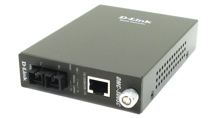 Медиаконвертер D-Link DMC-300SC/D7A Медиаконвертер из 100BASE-TX по витой паре в 100BASE-FX по многомодовому волокну (2км, SC)