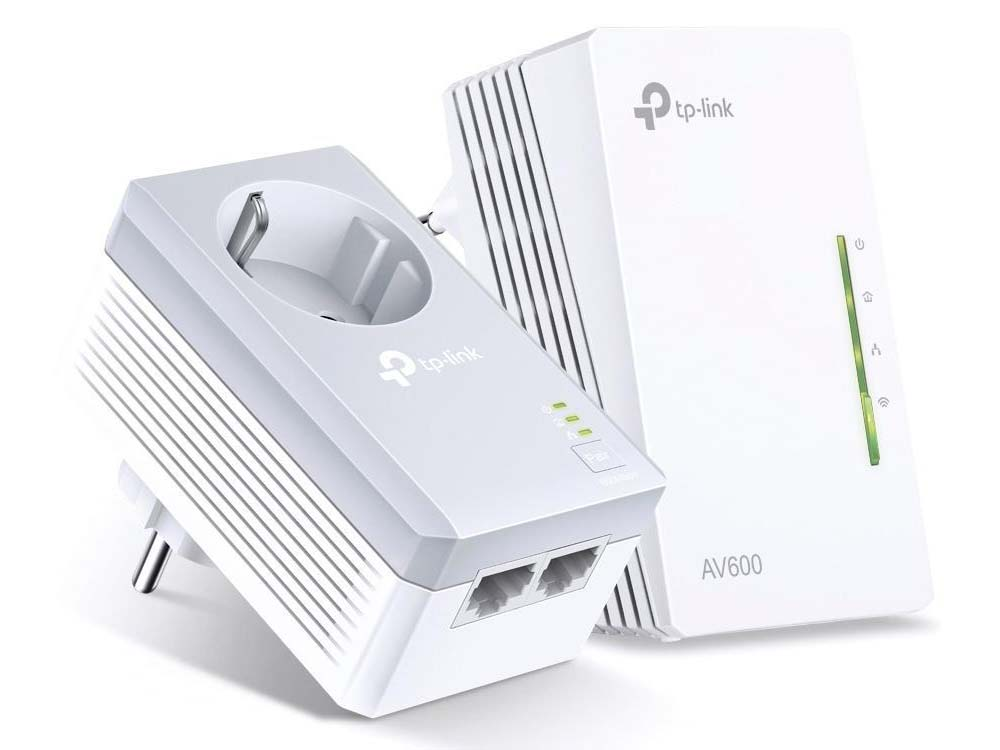 Адаптер TP-Link TL-WPA4226KIT AV600 Powerline Wi-Fi  KIT, Qualcomm, 300Mbps at 2.4GHz, 600Mbps Powerline, HomePlug AV, 2 10/100Mbps Ports, Wi-Fi Clone