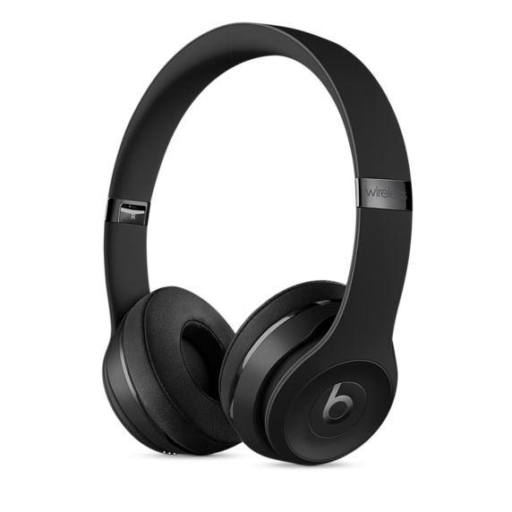 Наушники Apple Beats Solo3 Wireless черный MP582ZE/A наушники beats solo3 wireless on ear headphones rose gold