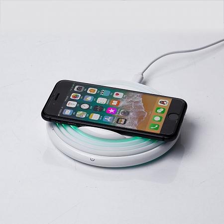 Беспроводное зарядное устройство с динамической подсветкой LEXAND LP-1CL (белый) сетевое зарядное устройство lexand lp 6q белый