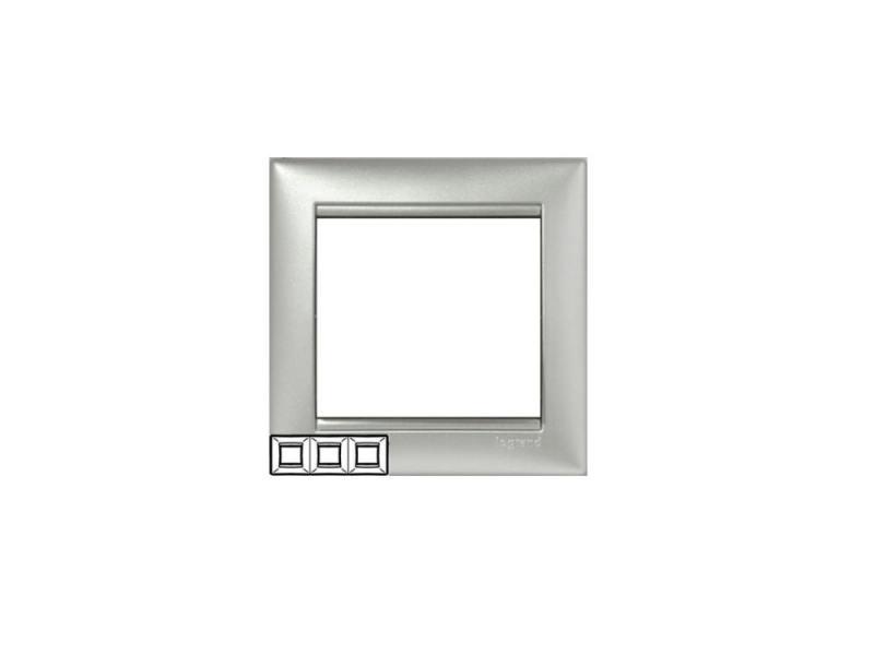 Рамка Legrand Valena 3 поста алюминий 770153 рамка legrand valena 3 поста алюминий серебристый штрих 770353