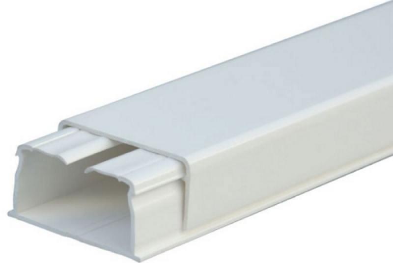 Мини плинтус Legrand DLPLUS 1 отделение плоский 2,1м 32X16мм белый 30804 мини плинтус legrand самоклеющийся 10 5х11 30098