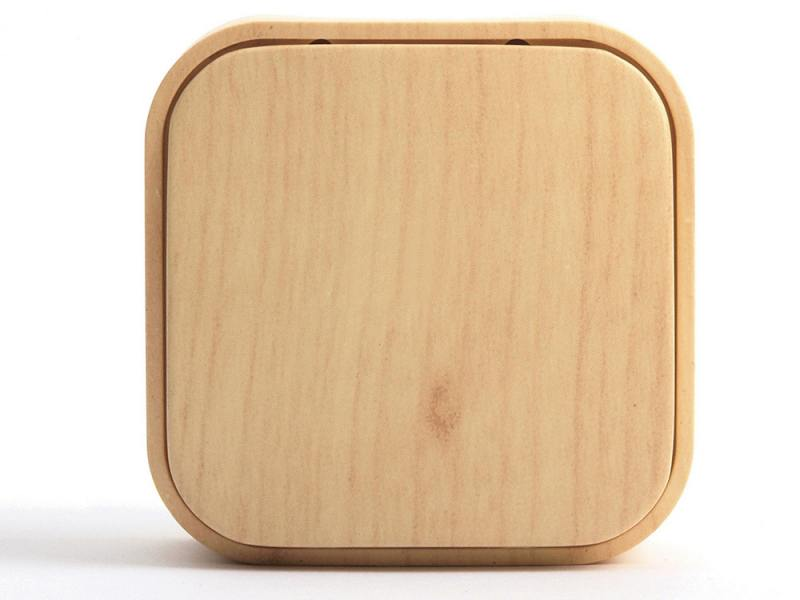 Одноклавишный выключатель Quteo 10A дерево 782260 выключатель 1 клавишный наружный бежевый 10а quteo