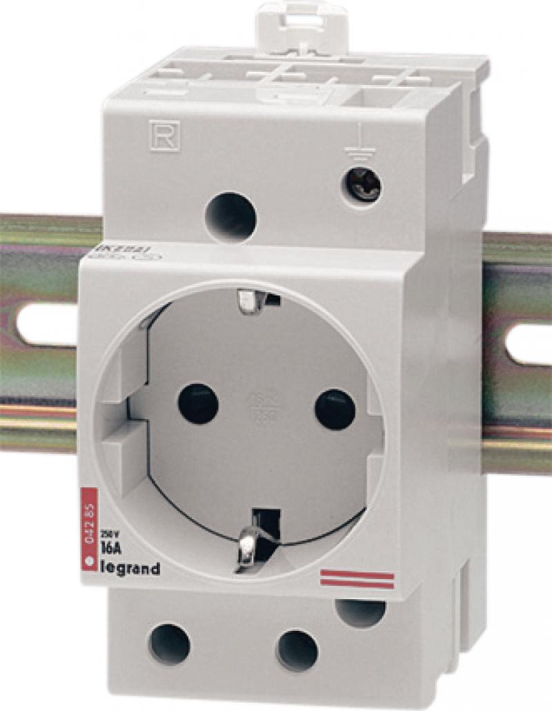 Розетка Legrand 2К+З 16А на DIN рейку 04285 стабилизатор на din рейку интернет магазин