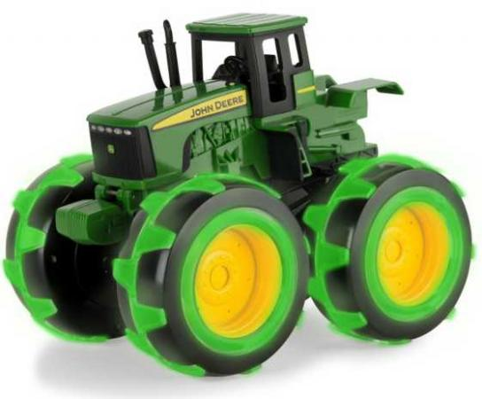 Tomy John Deere Трактор Monster Treads с бол.колесами с подсветкой,21х25х17см,кор. трактор tomy john deere зеленый 19 см с большими колесами звук свет
