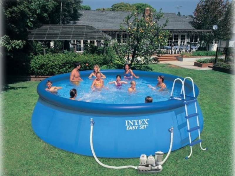 Надувной бассейн INTEX Easy Set, 549х122см наб.(видео,сис.очист.воды и насос-фильтр,лест.,настил,тен надувной матрас camping mats 127х193х24см intex
