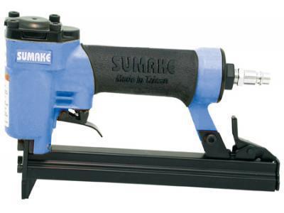Пистолет гвоздезабивной пневматический SUMAKE F-18/30 гвоздь 10-30мм 1х1.25